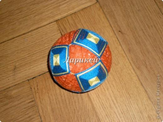 Темари.Это мой первый пробный шарик.До идеала конечно далеко,но мне понравилось.