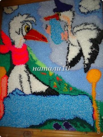 Здравствуйте ВСЕ мастерицы.Вот ездила на выходные к своей крестной.Вот такую красоту она творит.Эти все картины сделаны из  пряжи для вязания.Техника называется- Punch Needle ковровая техника вышивания (ковровая вышивка, махровая вышивка, техника продергивания, вышивка петлей, техника нетканого гобелена) . ЦЫПЛЕНОК (30Х35) фото 19