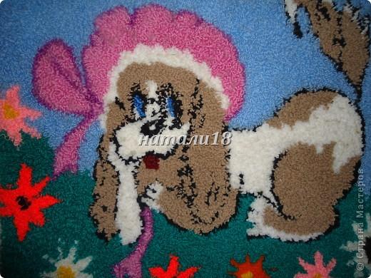 Здравствуйте ВСЕ мастерицы.Вот ездила на выходные к своей крестной.Вот такую красоту она творит.Эти все картины сделаны из  пряжи для вязания.Техника называется- Punch Needle ковровая техника вышивания (ковровая вышивка, махровая вышивка, техника продергивания, вышивка петлей, техника нетканого гобелена) . ЦЫПЛЕНОК (30Х35) фото 13