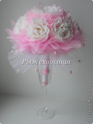 Привет всем, кто заглянул! Такой букет я уже делала на шоколадную свадьбу. Теперь он в розовом цвете....... фото 2