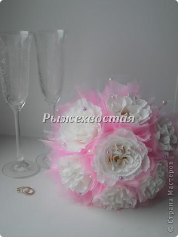 Привет всем, кто заглянул! Такой букет я уже делала на шоколадную свадьбу. Теперь он в розовом цвете....... фото 1
