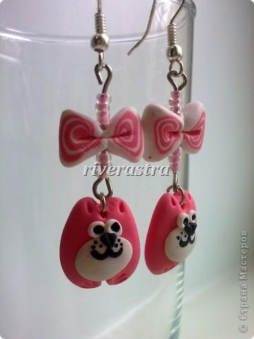 Заказали мне на днях сделать сережки и браслетик для девочки, условие - розовые котики! фото 3