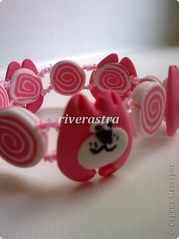 Заказали мне на днях сделать сережки и браслетик для девочки, условие - розовые котики! фото 2