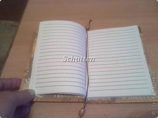 Вот такие блокноты родились буквально за два дня. Я вообще очень люблю всякие блокноты и записные книжки, у меня их просто куча, но сделанные своими руками - это уже намного дороже. фото 3