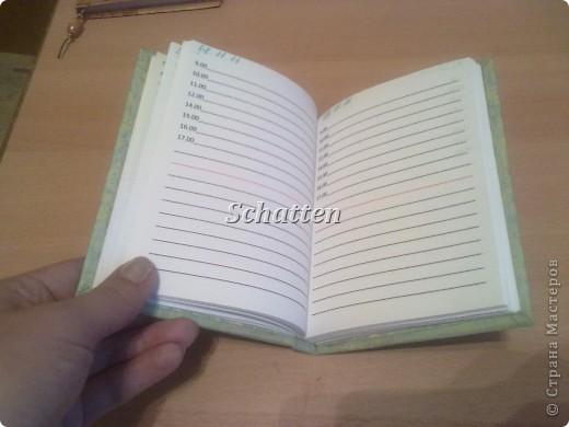 Вот такие блокноты родились буквально за два дня. Я вообще очень люблю всякие блокноты и записные книжки, у меня их просто куча, но сделанные своими руками - это уже намного дороже. фото 5