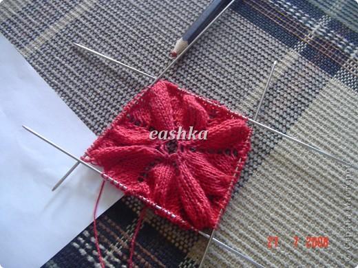 Моя первая салфетка спицами из центра Вязала из ириса - ушло меньше 10 грамм, спицы 1.5.. фото 4
