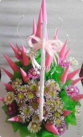 Свадебная корзинка с живыми хризантемами. фото 4
