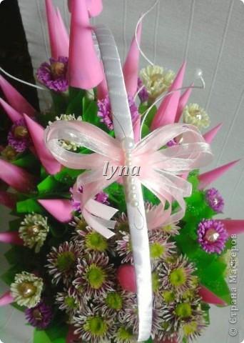 Свадебная корзинка с живыми хризантемами. фото 6