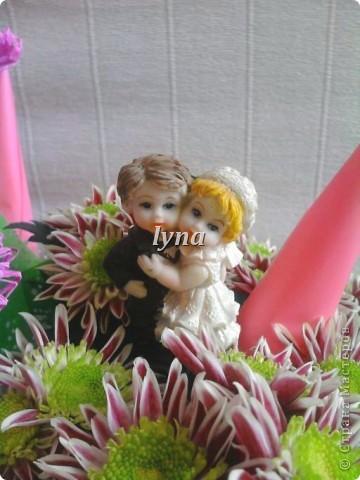 Свадебная корзинка с живыми хризантемами. фото 7