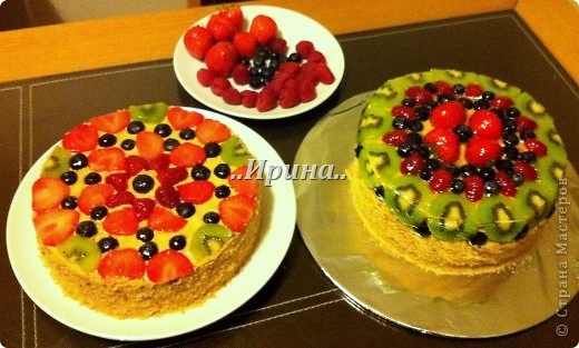 медовый торт, ягоды покрыты холодным гелем для декорирования фото 1