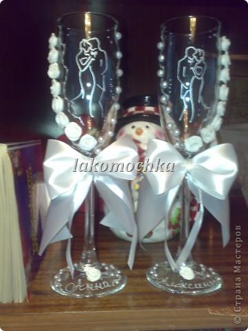 Вот такие получились бокалы....Хотели молодожены что были изображены жених и невеста