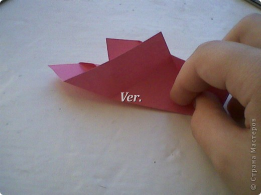 Доброго времени суток,жители Страны Мастеров!Я новичок в технике Оригами.И МК по Оригами делаю впервые.Так что прошу не судить строго,и если что то не понятно,спрашивайте!Я хочу показать вам и рассказать как делаются такие розочки.В чём их секрет?Сейчас узнаете! фото 20