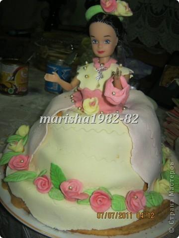 Доча увидела в стране мастеров тортики куклы и попросила на день рождение себе . Что не сделаешь для ребенка. Вот мы с бабушкой и сделали ей подарок! фото 2