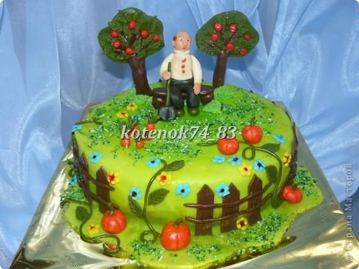 Вот такой сделала тортик для именинника садовода-любителя. фото 1