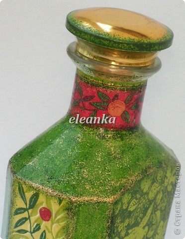 Бутылка от Шабо плюс хорошо известная салфетка. Декупаж, фон акриловыми красками, лак. фото 2