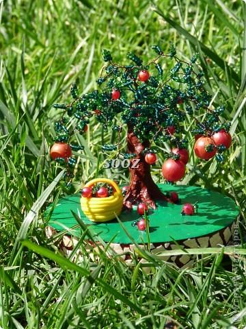 Меня очень вдохновил мастер-класс пользователя Изуля. Огромное Вам спасибо и низкий поклон за то, что делитесь такими секретами. Изначально деревце выглядело так... фото 2