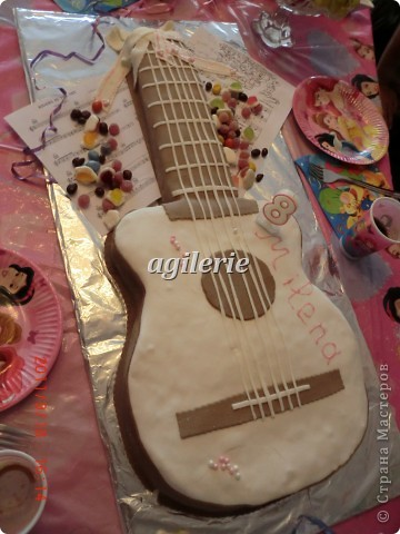 Гитара для моей гитаристки).  Пекла на день рожденье моей доченьке. фото 5