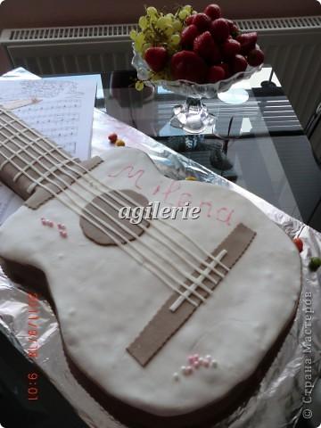 Гитара для моей гитаристки).  Пекла на день рожденье моей доченьке. фото 3