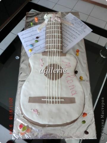 Гитара для моей гитаристки).  Пекла на день рожденье моей доченьке. фото 4