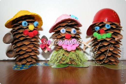 Поделки из шишек своими руками для детского сада схемы