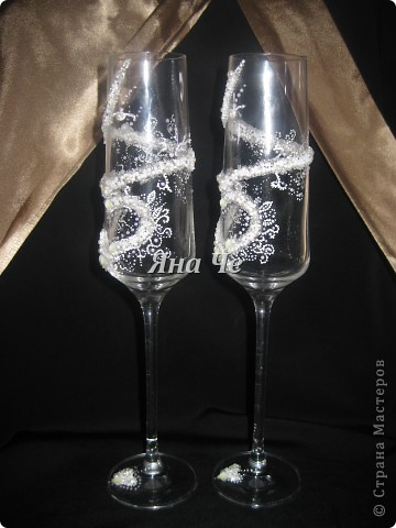 Мои новые свадебные бокальчики :) На них есть маленькие каллы, но их почти не видно. фото 2