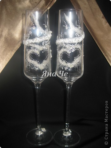 Мои новые свадебные бокальчики :) На них есть маленькие каллы, но их почти не видно. фото 4