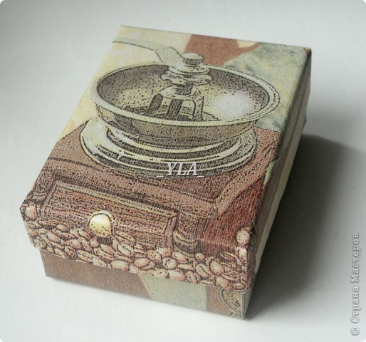 Ну очень захватил процесс мыловарения!!! Уже на следующий день после своего первого мыла решила я еще что-нибудь сотворить))) Этот мыльный тортик варила по МК Фурии http://stranamasterov.ru/node/36023. Получилось мыло-скраб.  фото 5
