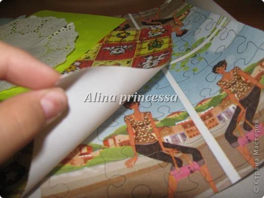Эта обычная картонная папка от картона.  Я наклеила  подписанную бумажку... ну, чтобы быстрее находить папку. А в папке у нас..... фото 3