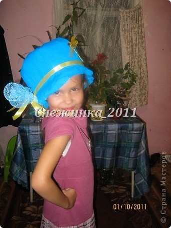 А это моя племянница Полиночка демонстрирует шляпки фото 4