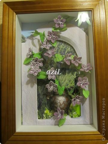 Эта работа появилась на свет благодаря МК по колокольчикам Ларисы Засадной, великолепному мастеру в квиллинге. Лариса Спасибо!!! Формат А4. Тут я воплотила свое видение въюна, может не совсем похоже, но цветочки делать одно удовольствие. фото 1