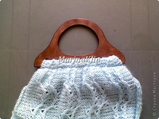 Эту сумочку сделала как дополнение к заказанному кардигану из остатков пряжи. Заказчица в восторге, значит и мне очередная радость от выполненной работы. фото 13