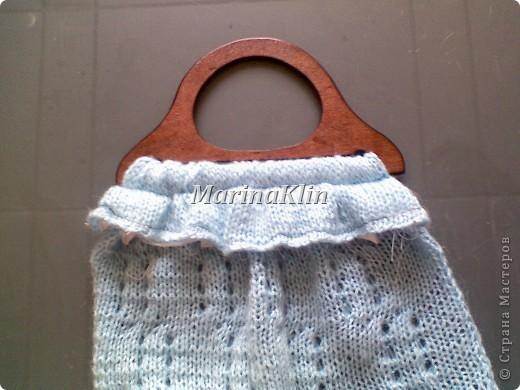 Эту сумочку сделала как дополнение к заказанному кардигану из остатков пряжи. Заказчица в восторге, значит и мне очередная радость от выполненной работы. фото 12