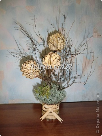 Вот такое деревце мы сделали с дочкой на школьный конкурс поделок из природных материалов. Возможно, мы не оригинальны, но сам процесс нам очень понравился, а от результата мы и вовсе в восторге. Спасибо МК http://stranamasterov.ru/techno/pistachio_tree . фото 1