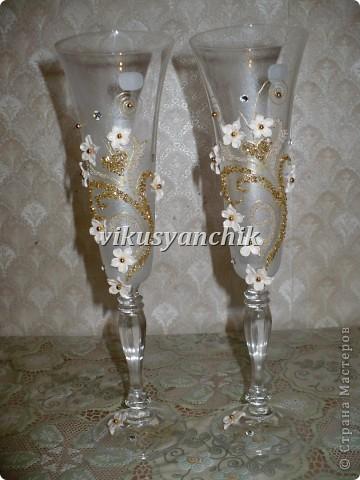 лилии с золотым орнаментом фото 3