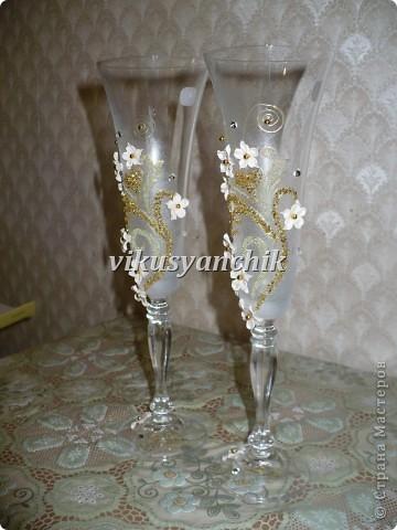 лилии с золотым орнаментом фото 2