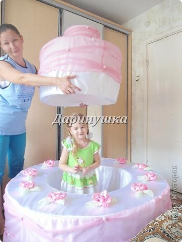 """Вот такой вот торт я """"испекла"""" к юбилею школы танца. Торт не простой, а с сюрпризом - во время праздника оттуда появится танцовщица. фото 5"""
