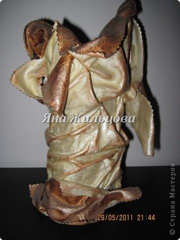 ваза из старой кожаной куртки фото 1