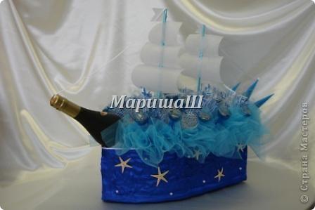 Корабль из бутылки и конфет своими руками