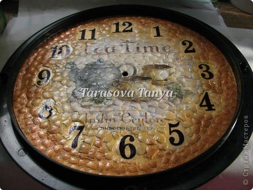 Вот такие часы, дебют заключается в том что декупаж делала с файликом на скорлупу, на мой взгляд получилось без морщинок - вот и дебют и радости нет придела - наконец-то :) фото 11