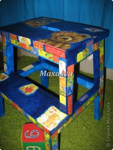 стульчик с мишками в детскую фото 1