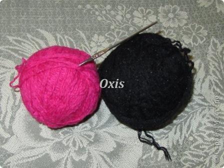 Вот такие тапочки для мамы связались. Вязала по описанию вот этих тапочек http://gingerlina.livejournal.com/104410.html  фото 2