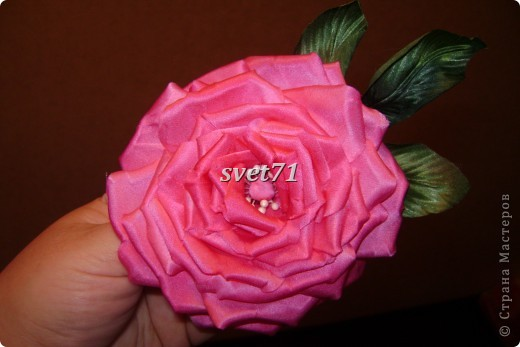 Декоративная роза из шелка. фото 2