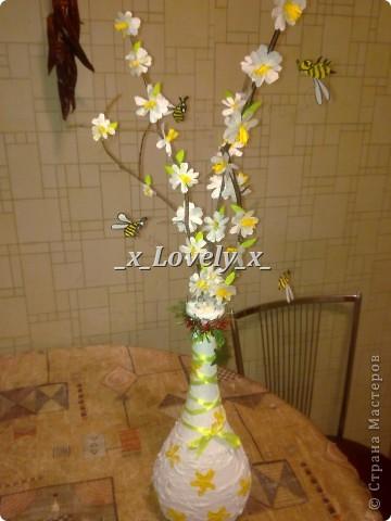"""Эту вазу сделала к 2011 году, когда её двигаешь или трогаешь, пчёлки """"летают"""" рядом с цветочками. фото 1"""