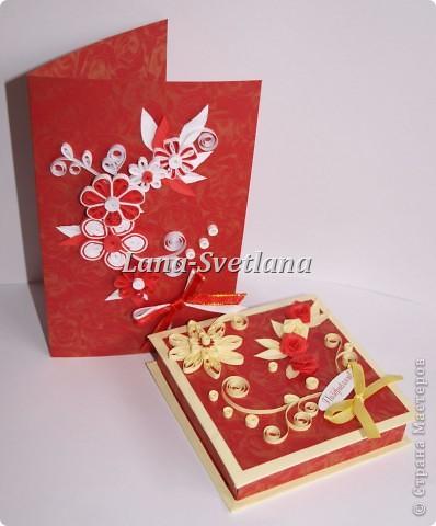 Открытка и коробочка  в красных тонах фото 1