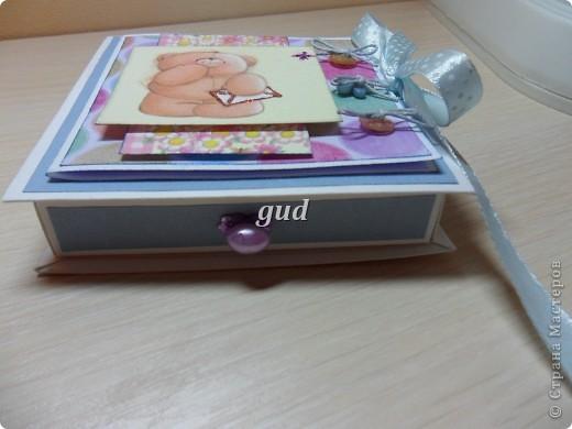 Моя подружка попросила сделать конвертики или коробочки для денежного подарка для своего крестника и его мамы. День рождения у них с разницей в 4 дня. Вот моя первая проба такая получилась. Как-то ориганальнее в коробочке деньгу подарить. фото 7