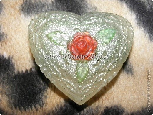 мишка с лепестками роз. вес 25 грамм. запах ландыша. фото 2