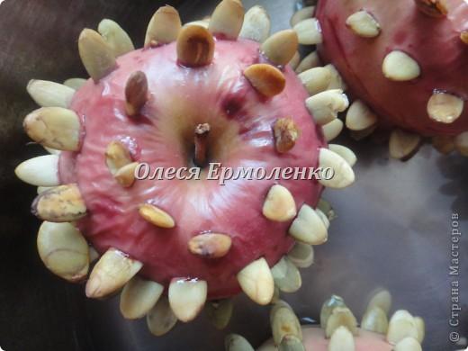 Всем привет! Сегодня с дочей готовили её любимые запечёные яблочки, украшали тыквенными семечками (приятное с полезным) и фото 6