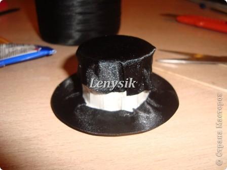 Я очень долго искала МК по изготовлению шляпы, но так и не нашла!! Пришлось придумывать самой! Пробовала по разному...... Но этот вариант мне больше всех понравился!! Быстро и красиво!!! Вот решила поделится, может кому нибудь и пригодится мой МК!!! Это заготовки, их у меня полно нарезано : )))) фото 8