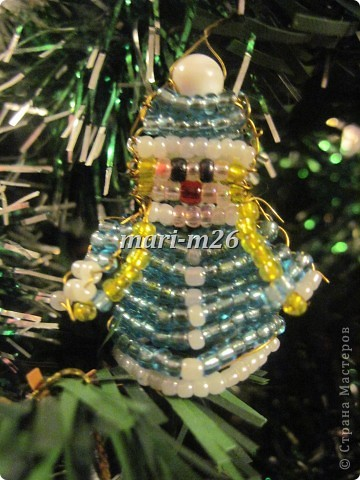 Поделка изделие Новый год Бисероплетение Ёлочные игрушки из бисера Бисер фото 8.