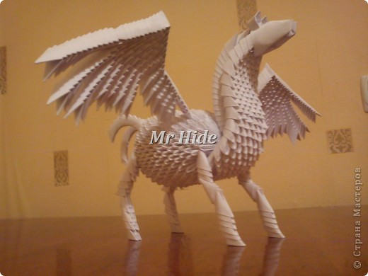 Крылатый конь, он же пегас. Всего на него надо 1086 модулей фото 1